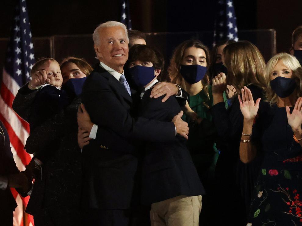 Joe Biden y Kamala Harris celebran haber ganado las elecciones a la Presidencia de Estados Unidos