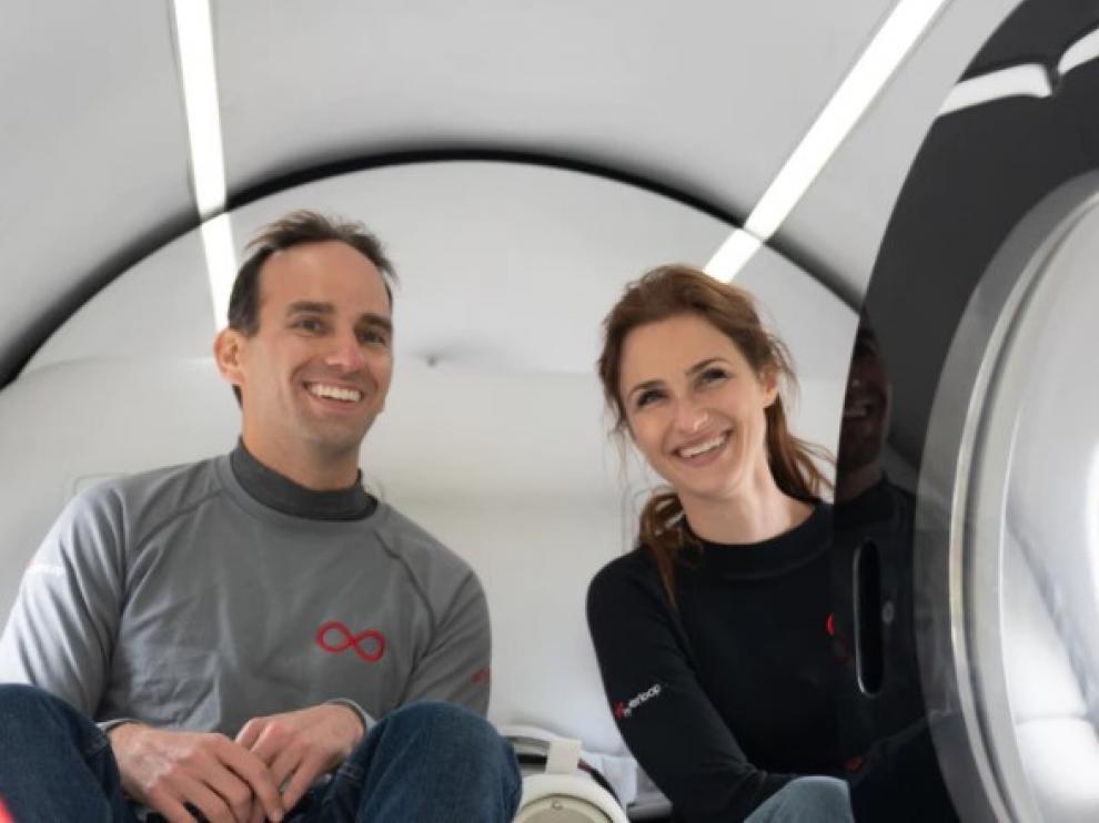 Los dos primeros humanos que han viajado en Virgin Hyperloop