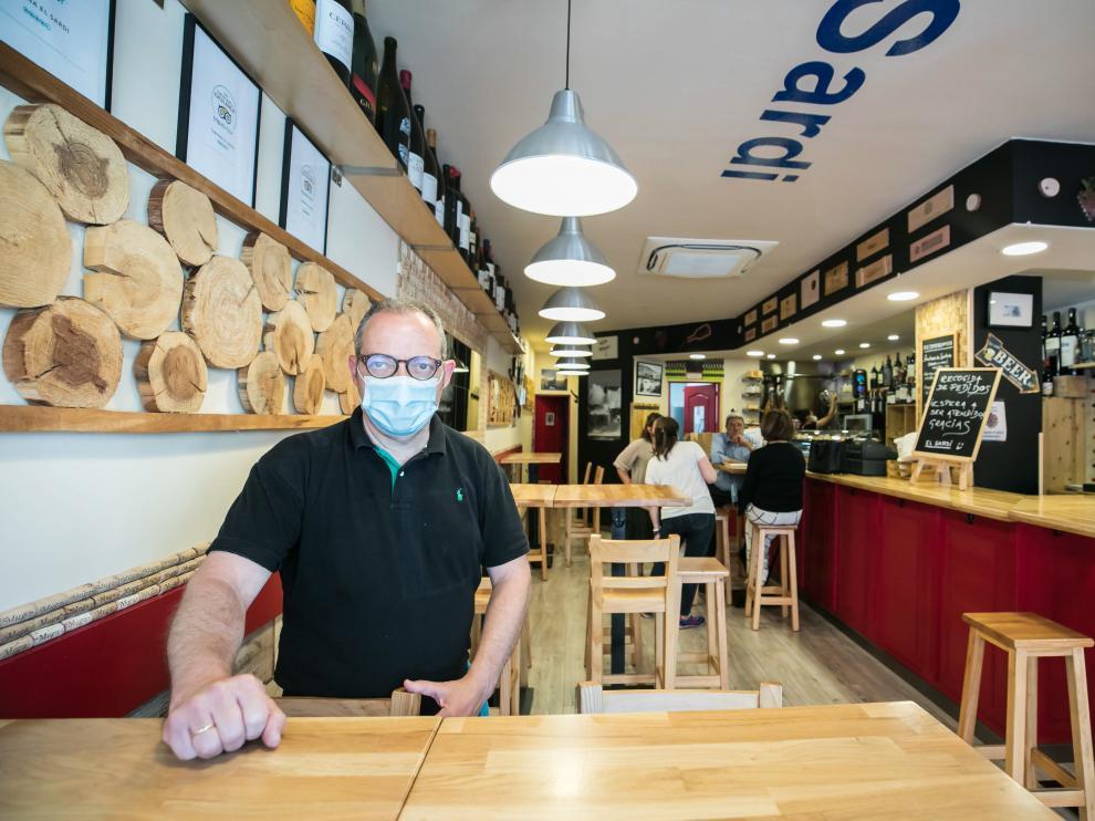 Santiago Santamaría, propietario de la taberna El Sardi
