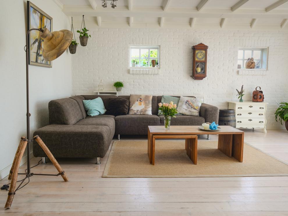 Uno de los puntos negativos de alquilar una habitación es que no se puedes desgravar fiscalmente, ya que no se considera arrendamiento de una vivienda habitual.