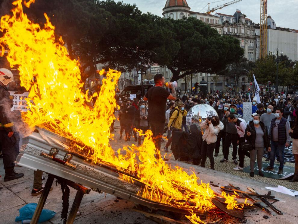 Protestas contra las medidas anti-covid del gobierno portugués.