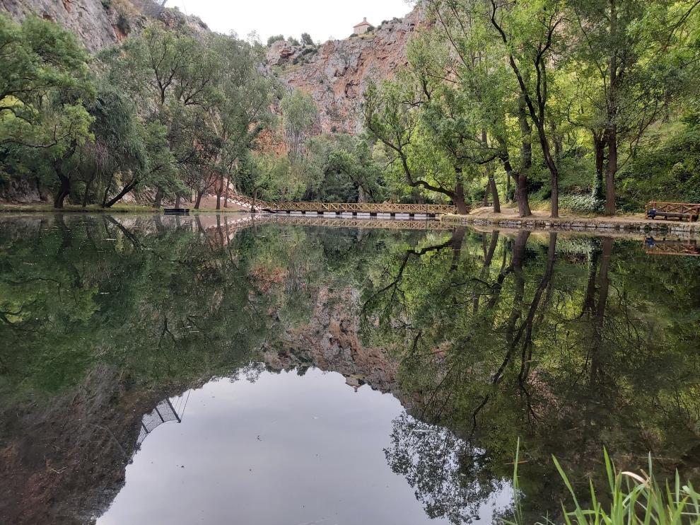 Lago del Espejo, en el Monasterio de Piedra.