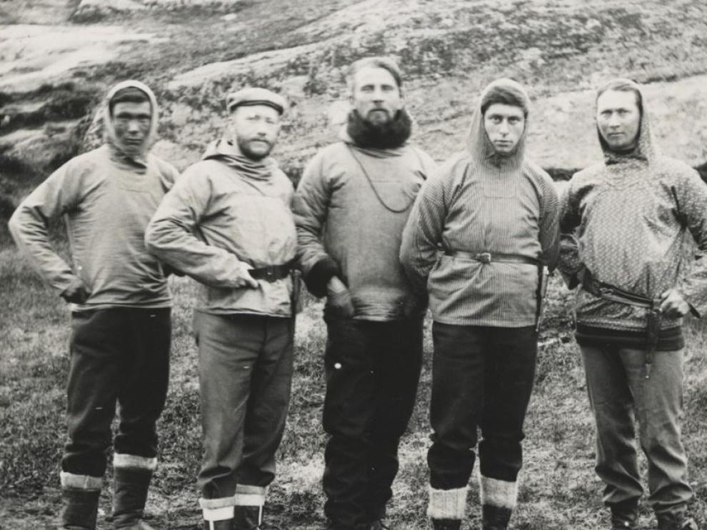 Jorgen Bronlund es el primero por la izquierda