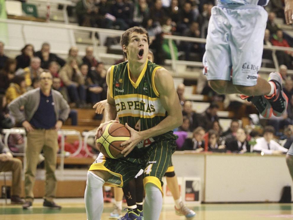 Van Oostrum, durante su anterior paso por el Peñas.