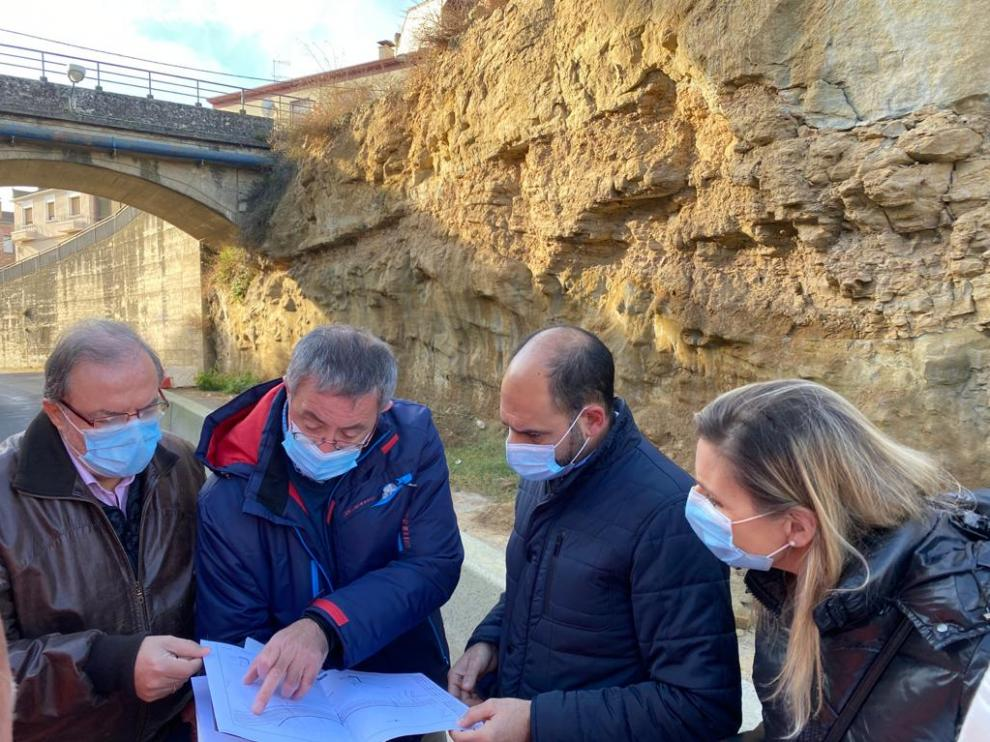 El director general de Carreteras, Bizén Fuster, ha realizado una visita técnica a la zona de la travesía de Barbastro .