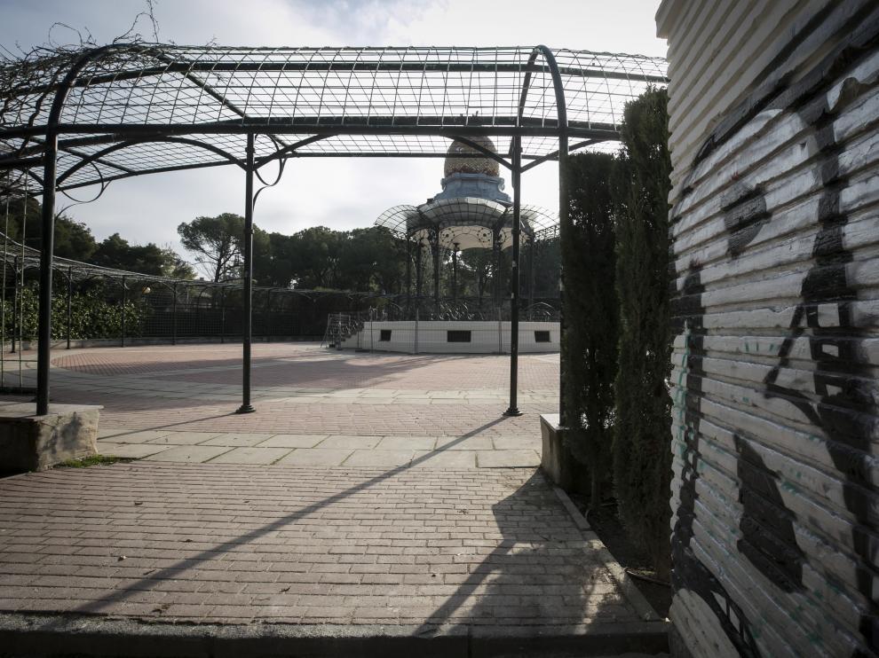 RESTAURACION DEL QUIOSCO DE LA MUSICA EN EL PARQUE GRANDE ( ZARAGOZA ) / 28/12/2018 / FOTO : OLIVER DUCH [[[FOTOGRAFOS]]][[[HA ARCHIVO]]]