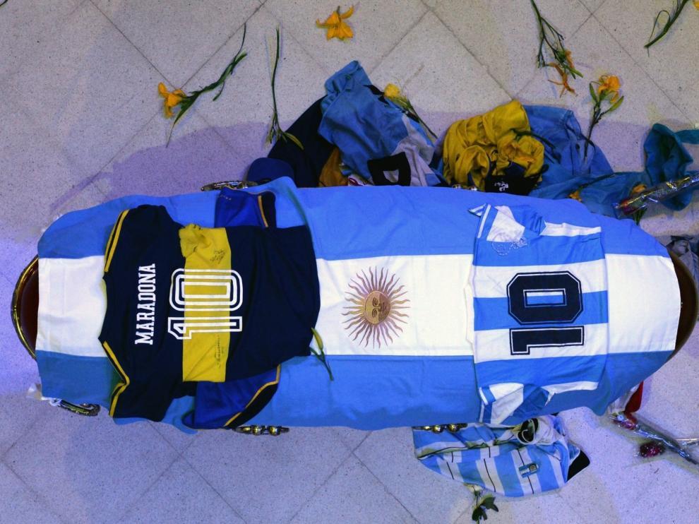 El aplauso de todo un país a Maradona