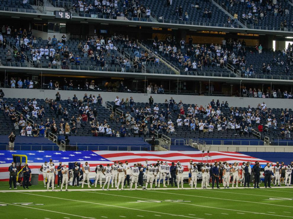 Partido de rugby entre los Dallas Cowboys y el Washington Football Team en el AT&T Stadium, esta semana en Texas.