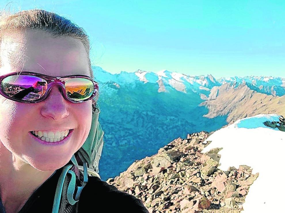 'Selfie' de la montañera difundida por la Gendarmería.