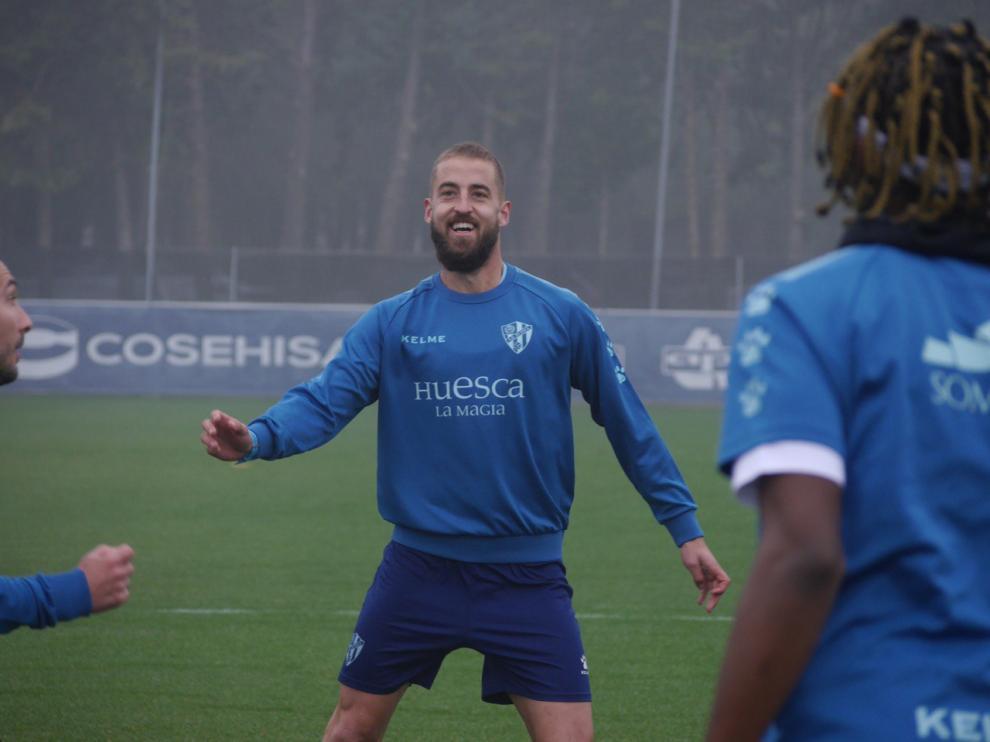 Pulido, durante el entrenamiento de este martes de la SD Huesca.