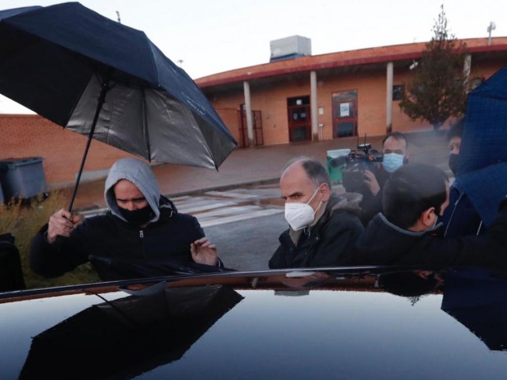 Francisco Múgica Garmendia, uno de los etarras más sanguinarios, ha abandonado la prisión a las 17.00, después de que la Audiencia Nacional ordenara su puesta en libertad tras tener en cuenta los 584 días que estuvo preso en cárceles de Francia.