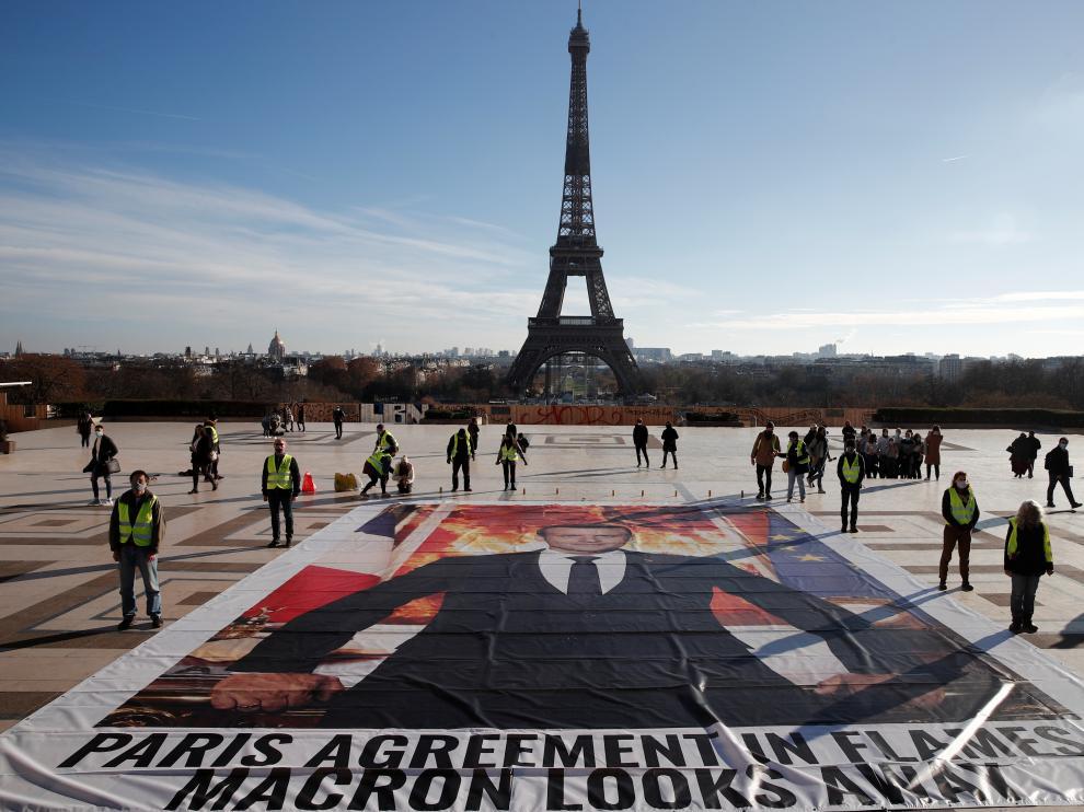 Protesta de activistas en París.