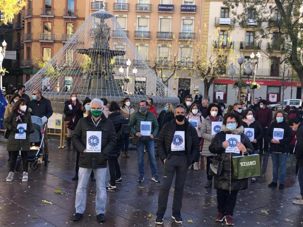 La concentración para denunciar el abuso de la temporalidad ha sido en la plaza Navarra.