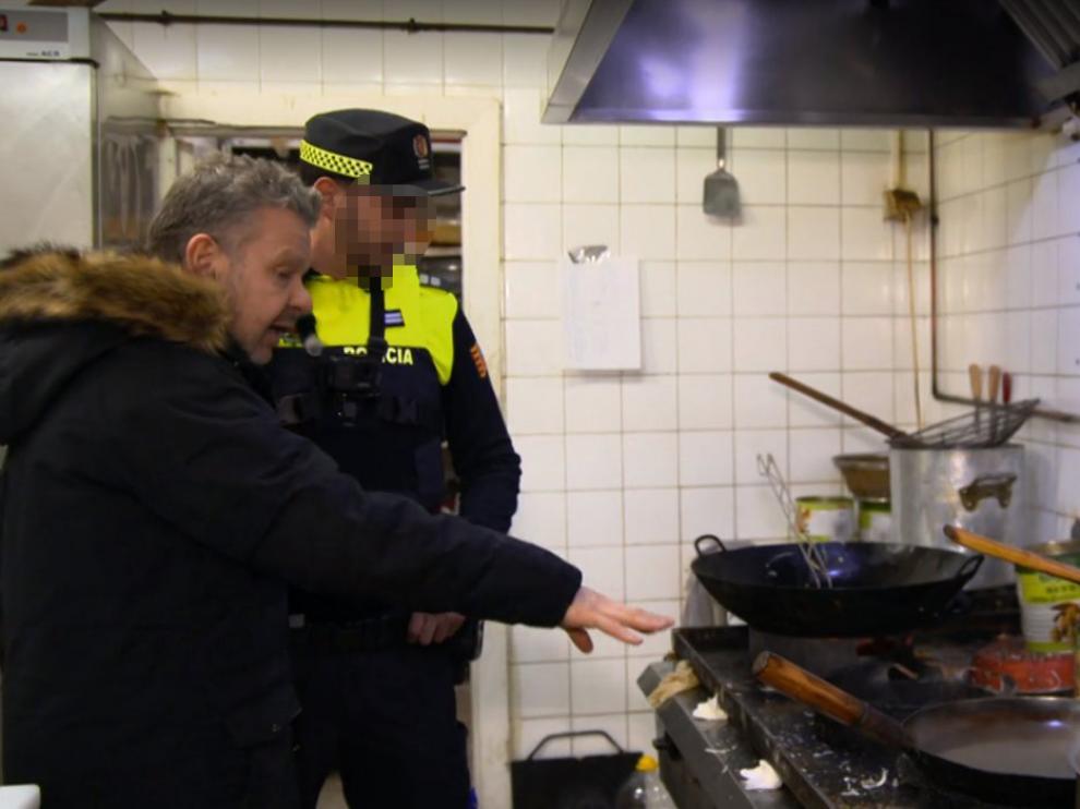 Chicote examina los restaurantes chinos, entre ellos varios de Zaragoza, para averiguar de dónde viene su comida.