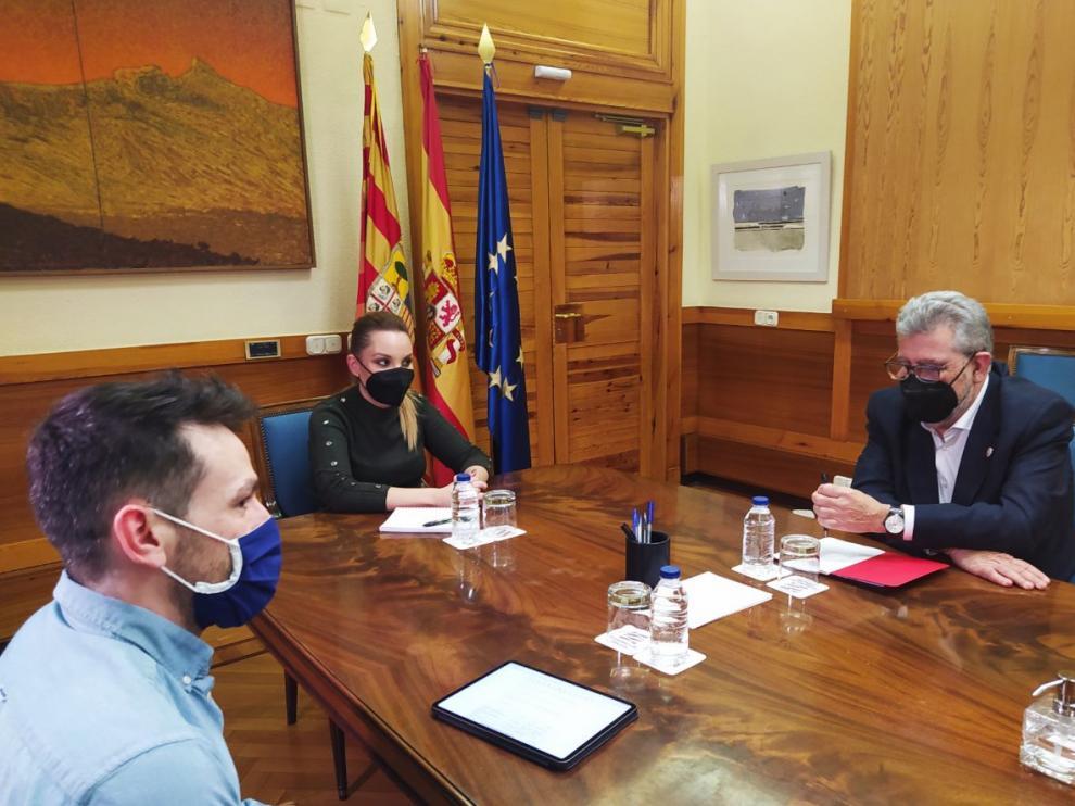 Maru Díaz y José Antonio Mayoral en la reunión de este martes.