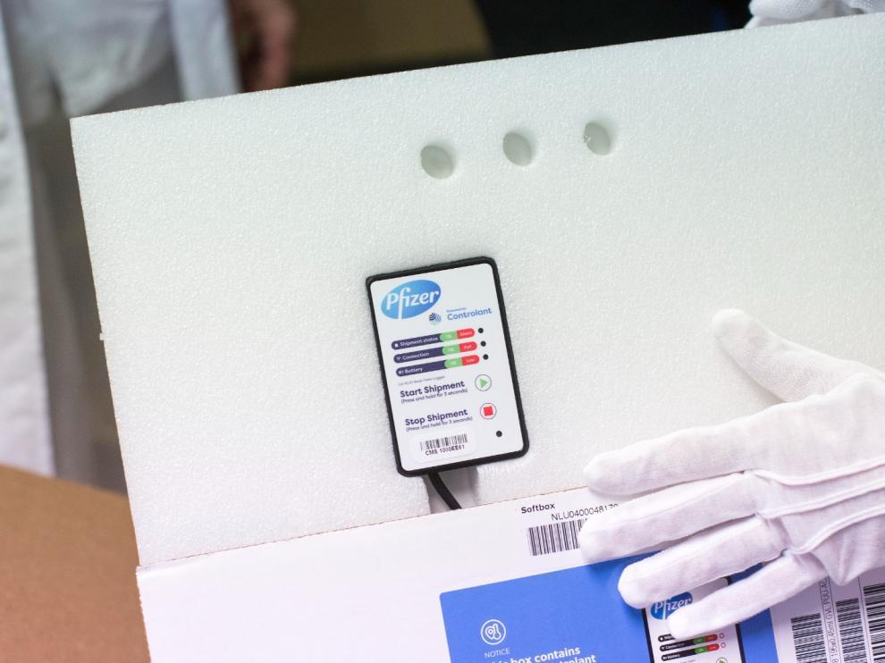 Llegan las vacunas al Hospital Clínico de Zaragoza tras el retraso de un día por el problema logístico de Pfizer