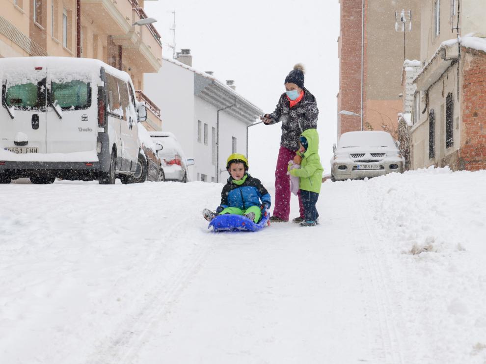 La nieve de Filomena tiñe de blanco la provincia de Teruel