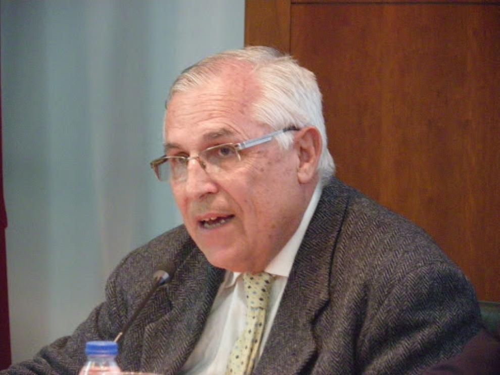 Juan Felipe Higuera fue profesor de la Universida de Zaragoza desde 1974 hasta que se jubilo en 2017.