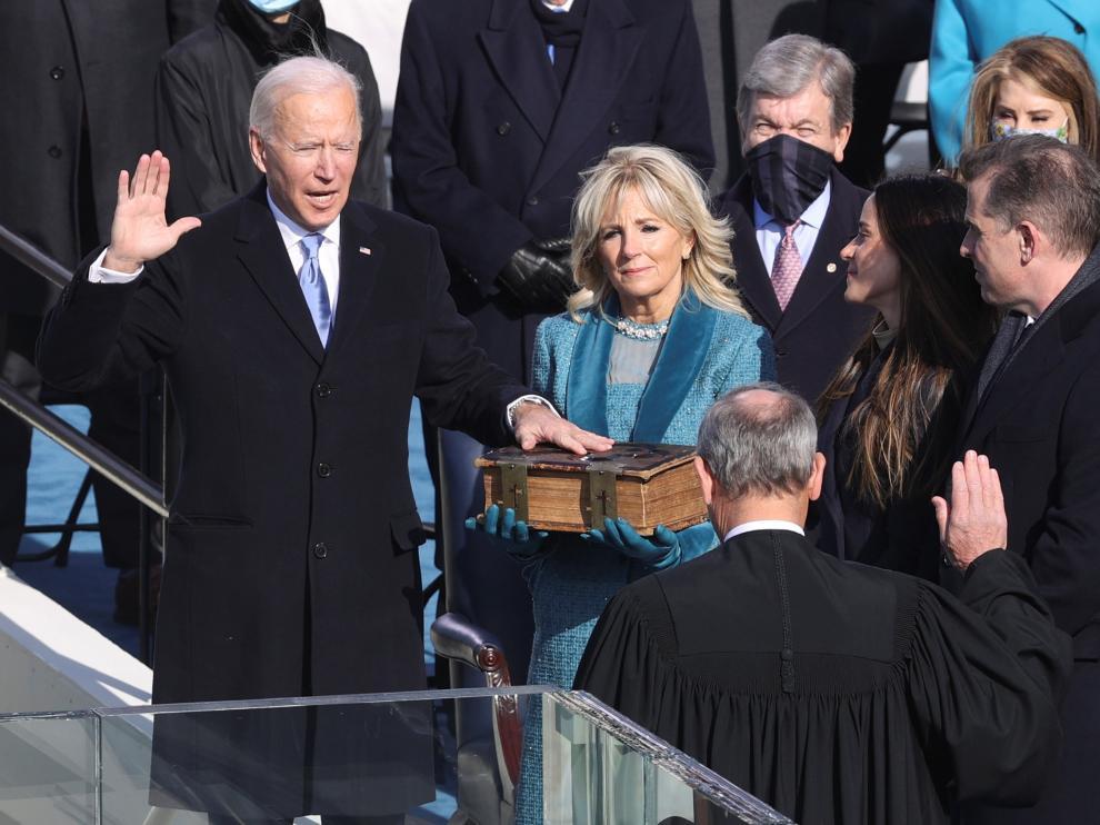Momento del juramento de Biden