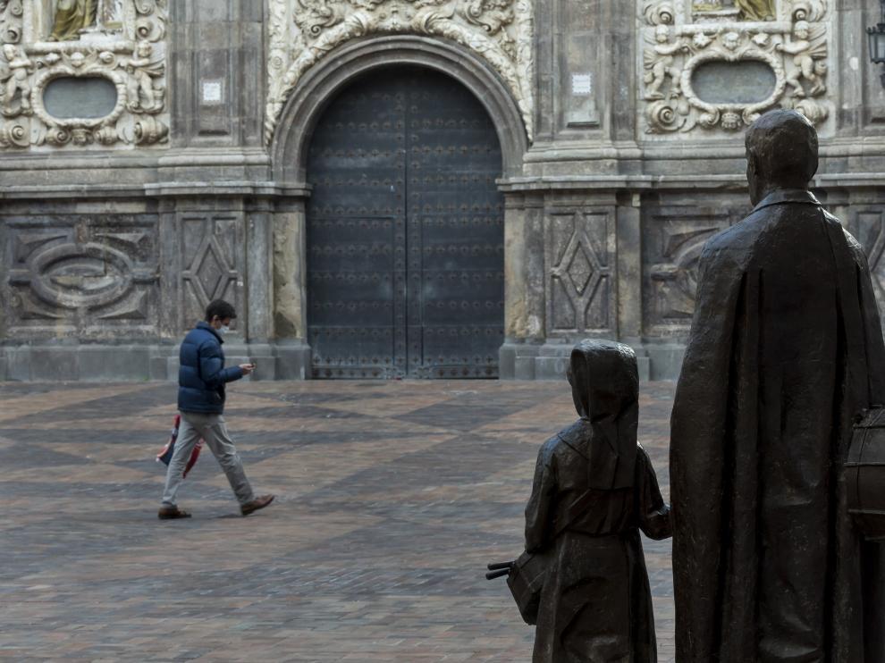 La iglesia de Santa Isabel de Portugal, centro neurálgico de la Semana Santa zaragozana.