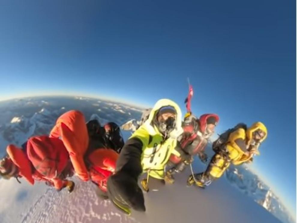 Los sherpas que hicieron la cumbre invernal al K2, una gesta histórica