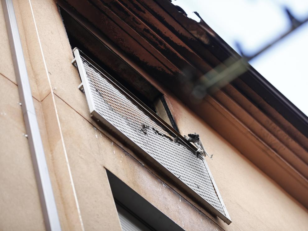 Incendio en un edificio okupado de la calle Cerezo de Zaragoza.