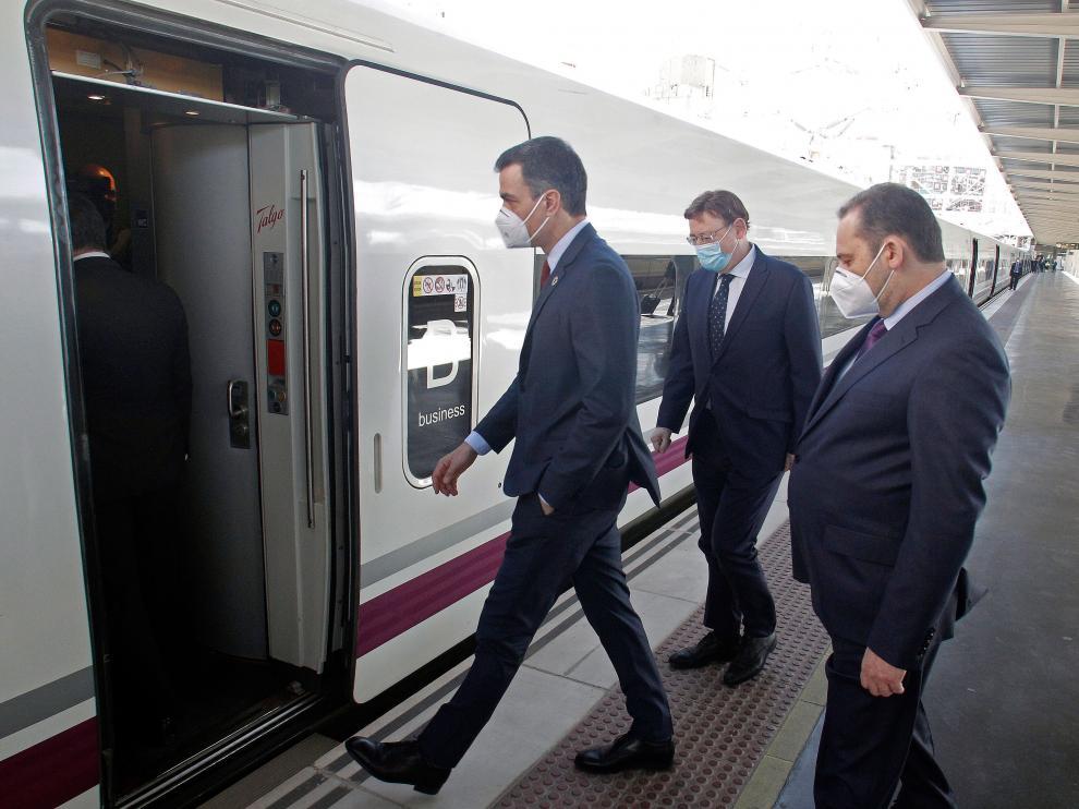 El presidente del Gobierno inaugura tramo del ave en Alicante