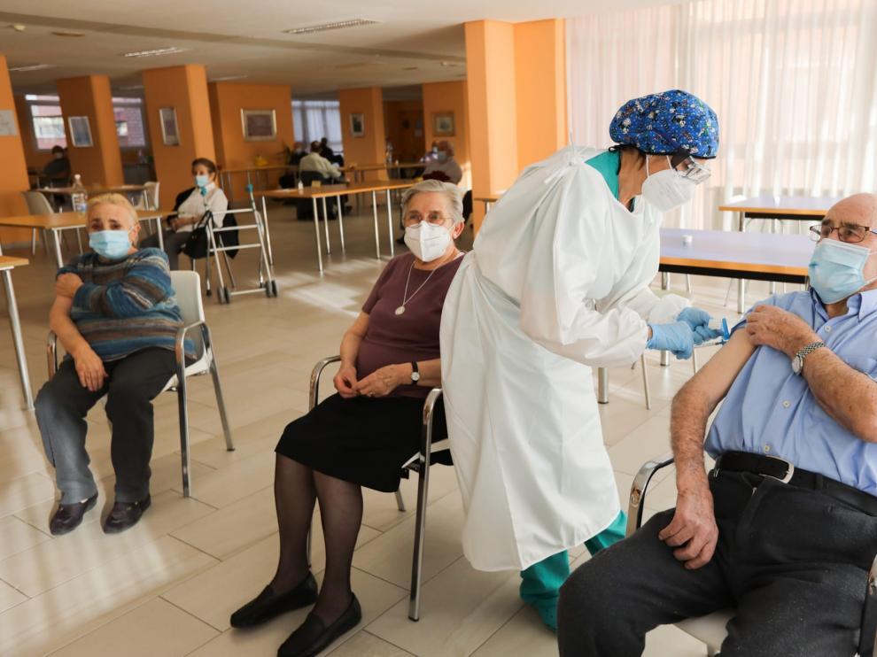La residencia de Javalambre recibe la segunda dosis de la vacuna del coronavirus