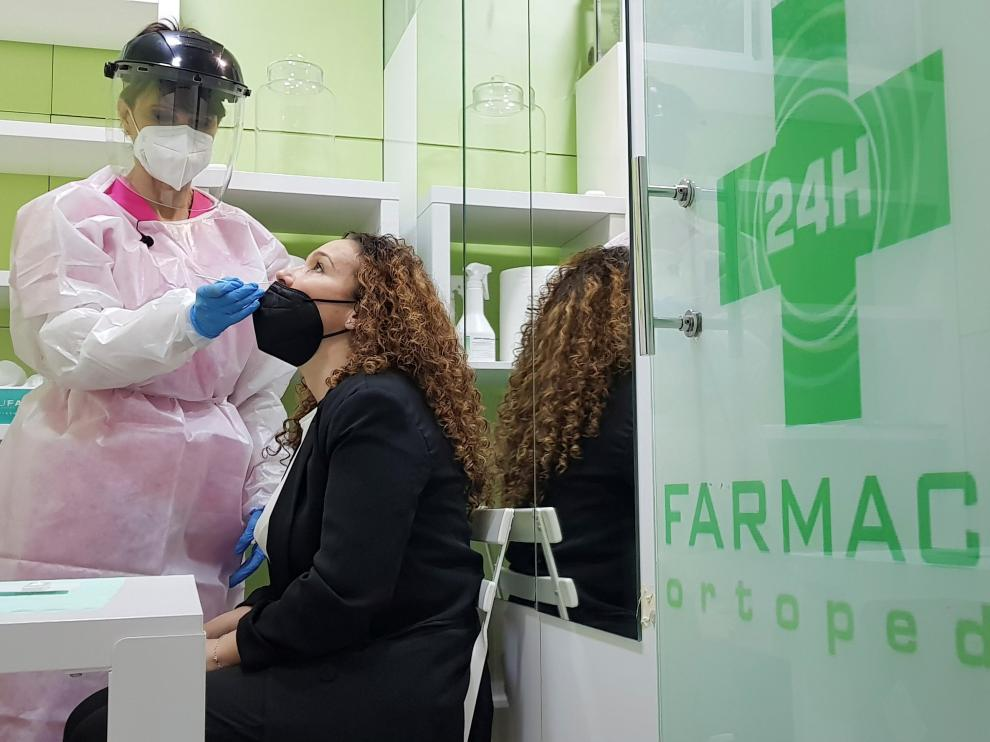 Farmacias y clínicas dentales harán test de antígenos desde este jueves en Madrid