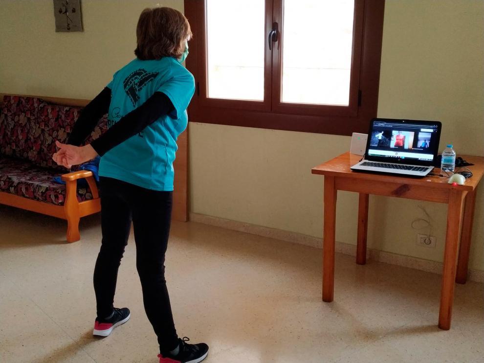 Las sesiones de gimnasia a mayores de 70 se empezaron a impartir online en diciembre.