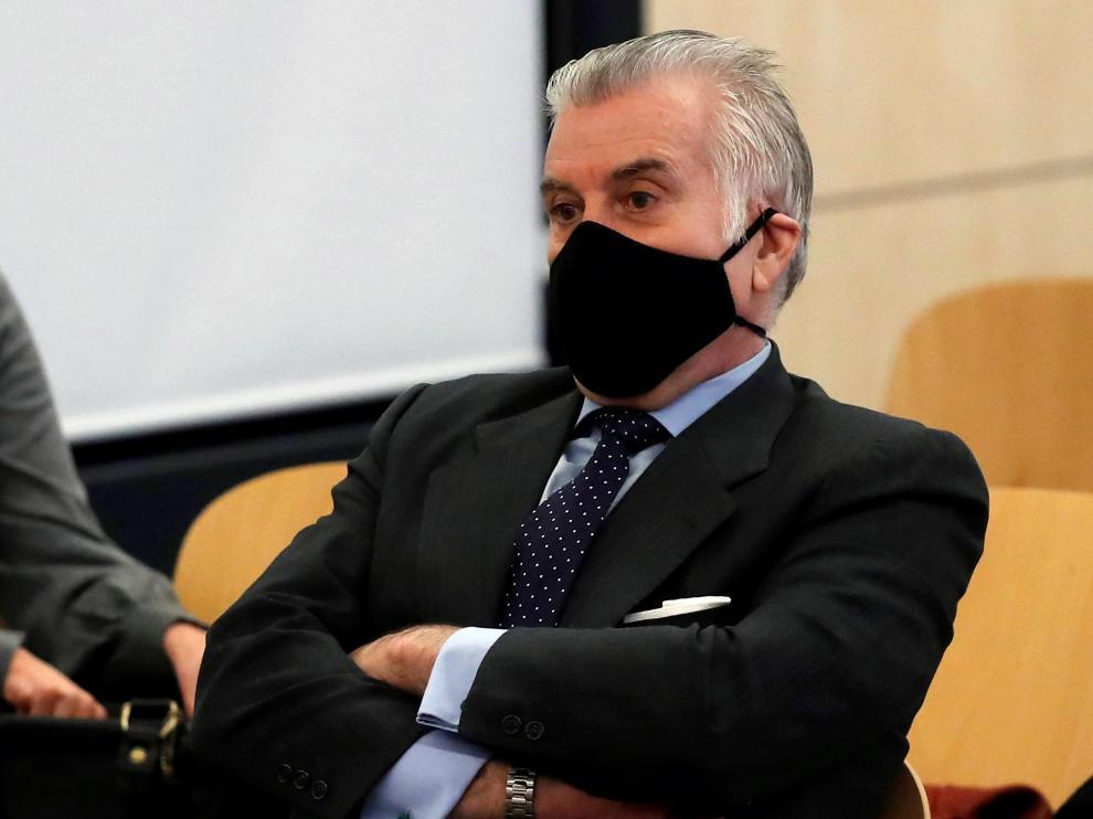 Bárcenas vuelve hoy al banquillo decidido a poner al PP contra las cuerdas