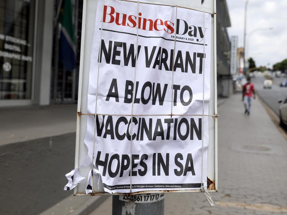 Un periódico informa del coronavirus en Sudáfrica.