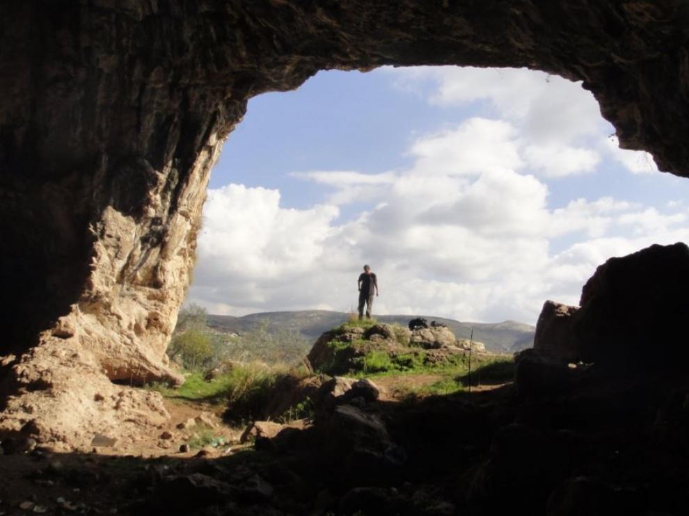 Acceso a la cueva de Shukbah.