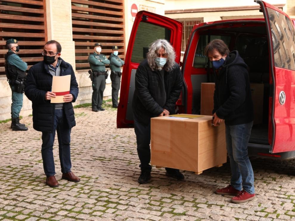 Los bienes llegan por fin a Aragón, pero solo llegan dos cajas