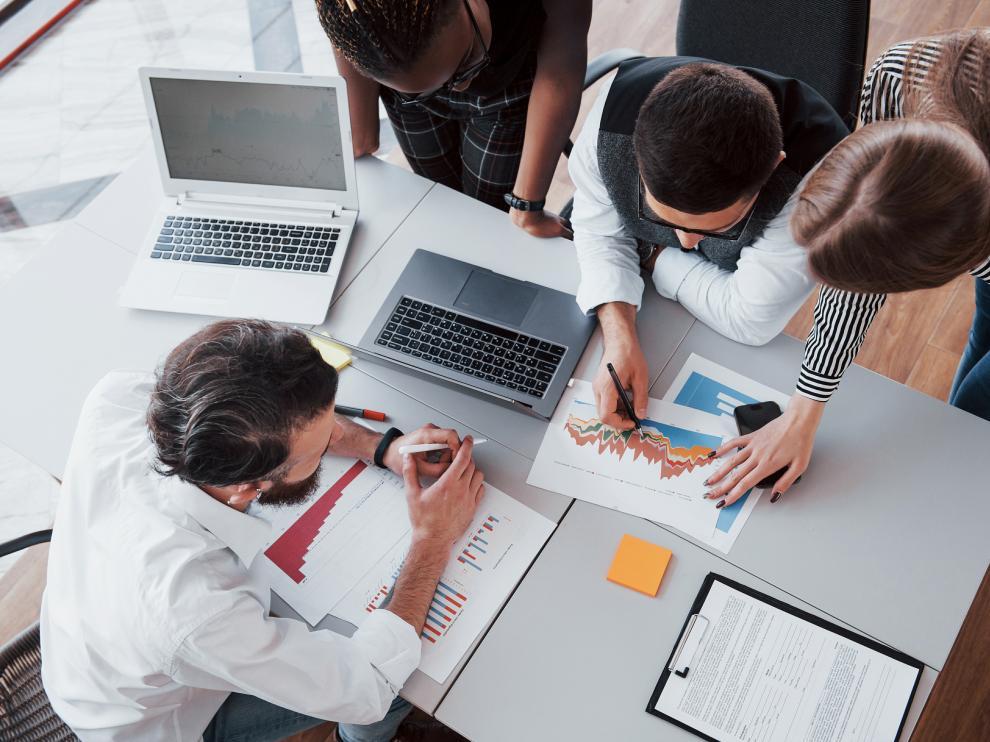 Las empresas deben apostar por las personas que conforman su organización para construir su identidad.