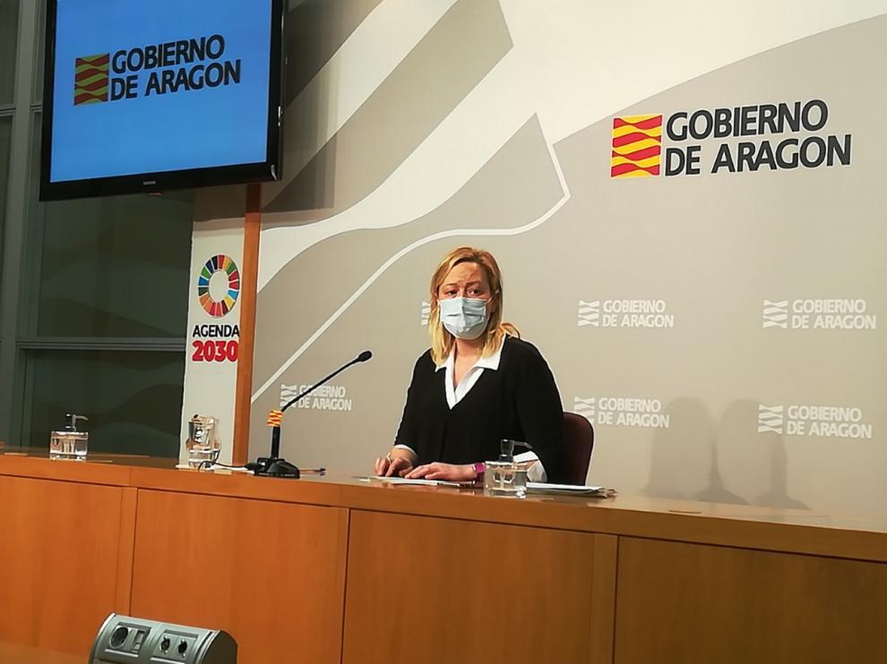 La consejera Marta Gastón en la comparecencia hoy en la sede del Pignatelli para valorar los resultados del paro del mes de febrero.