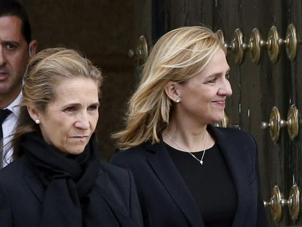 Las infantas Elena y Cristina de Borbón, en octubre de 2015