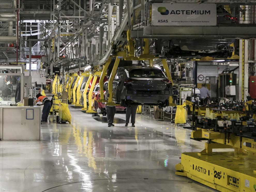 Cadena de montaje de Opel España (Stellantis) en Figueruelas.