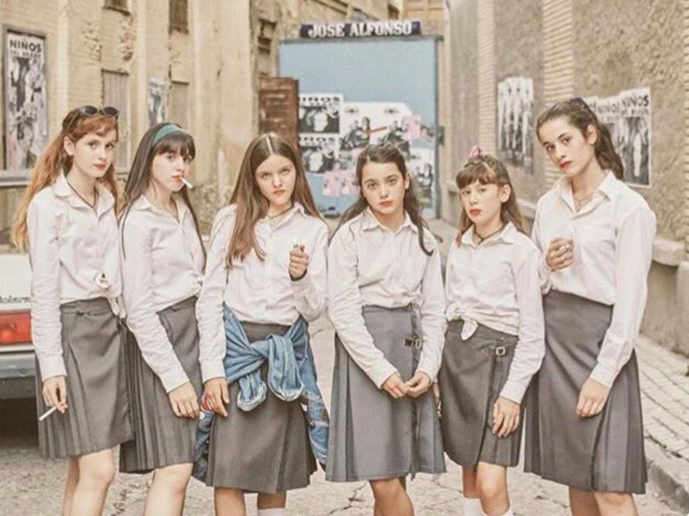 Las protagonistas de 'Las niñas', en la calle Torreseca, muy cerca de la calle de Alfonso.