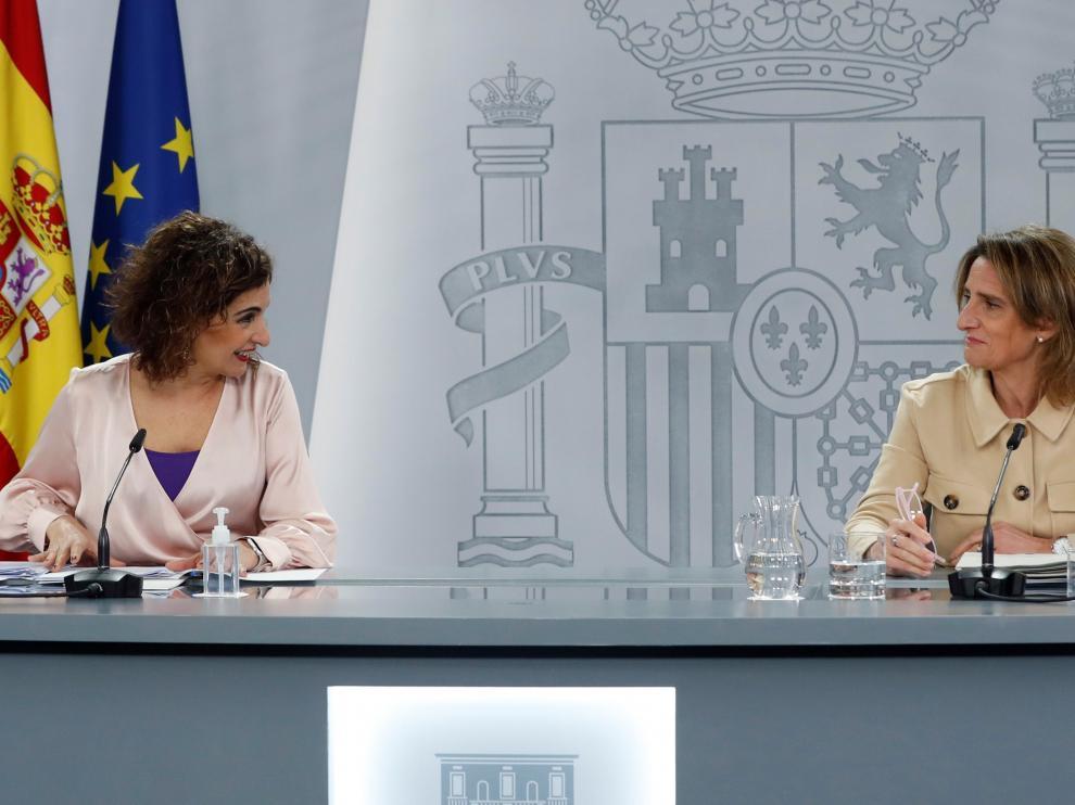Las ministras Teresa Ribera y María Jesús Montero