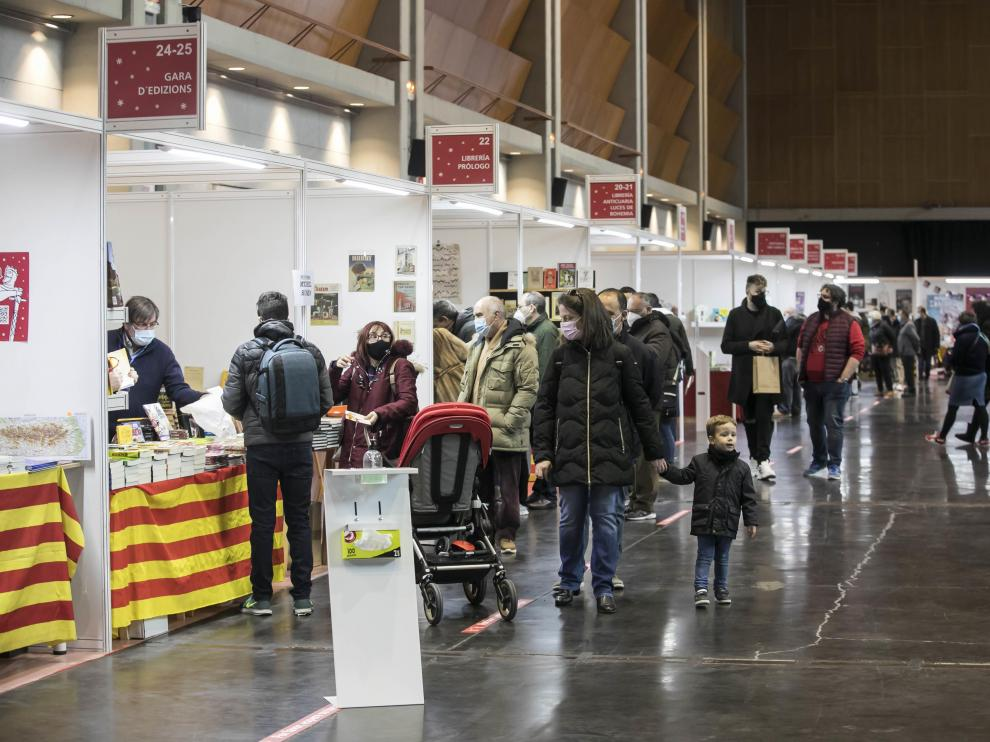 La Feria del Libro de Zaragoza de 2020 se celebró bajo techo, en la sala Multiusos, y en diciembre