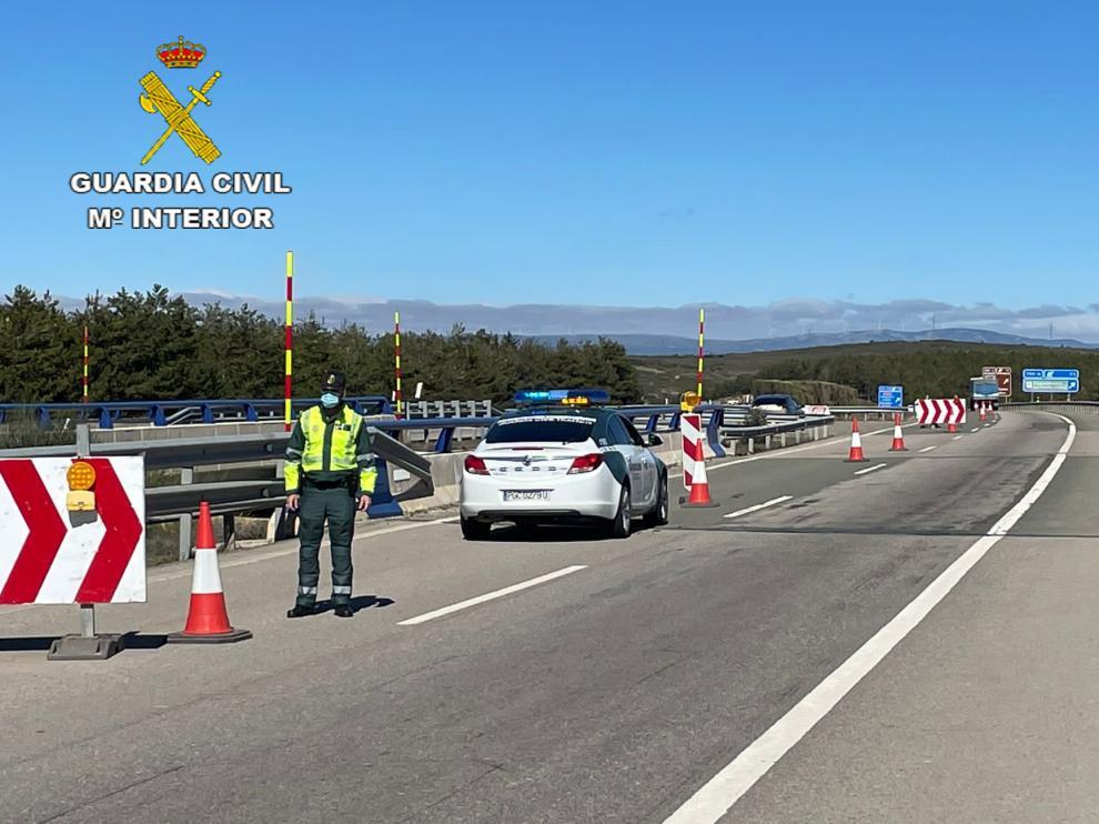 Control de la Guardia Civil de Tráfico en Teruel.