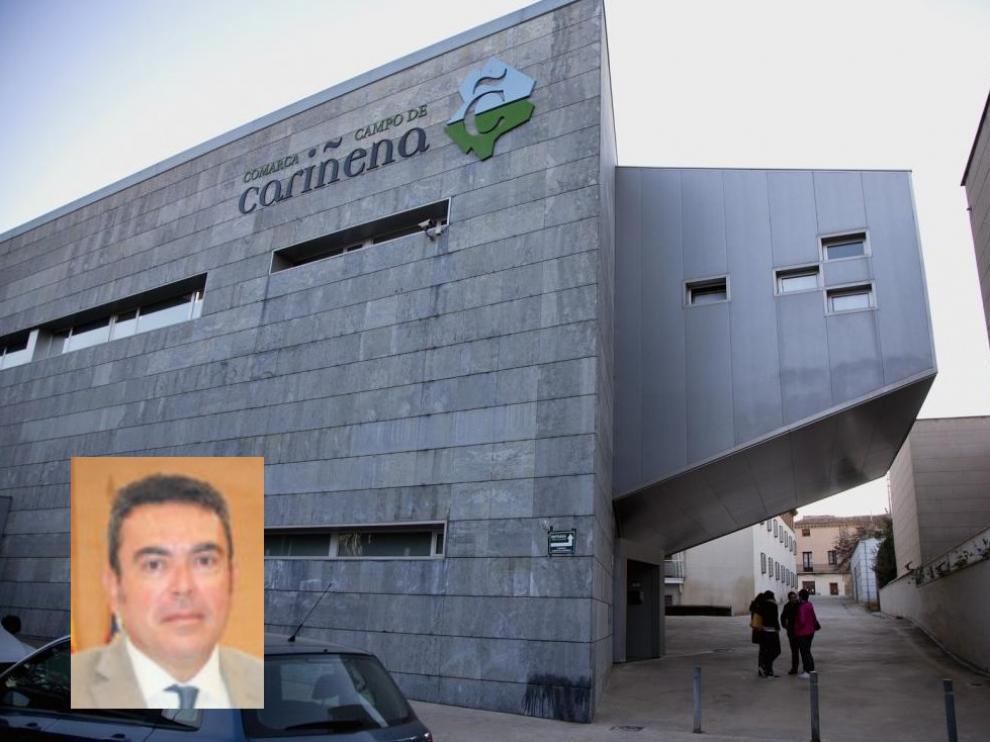 Sede de la Comarca de Cariñena e imagen del presidente José Luis Ansón