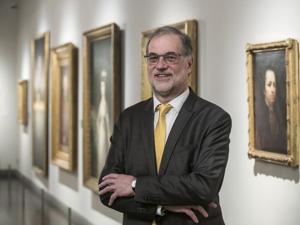 El hispanista Helmut Jacobs, catedrático de Literaturas Románicas de la Universidad de Duisburg-Essen, en el Museo Goya de la Fundación Ibercaja.