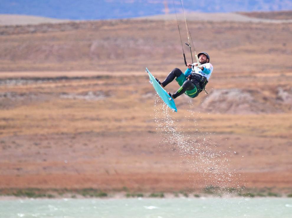 La Loteta es el embalse de Aragón donde más se practica kitesurf