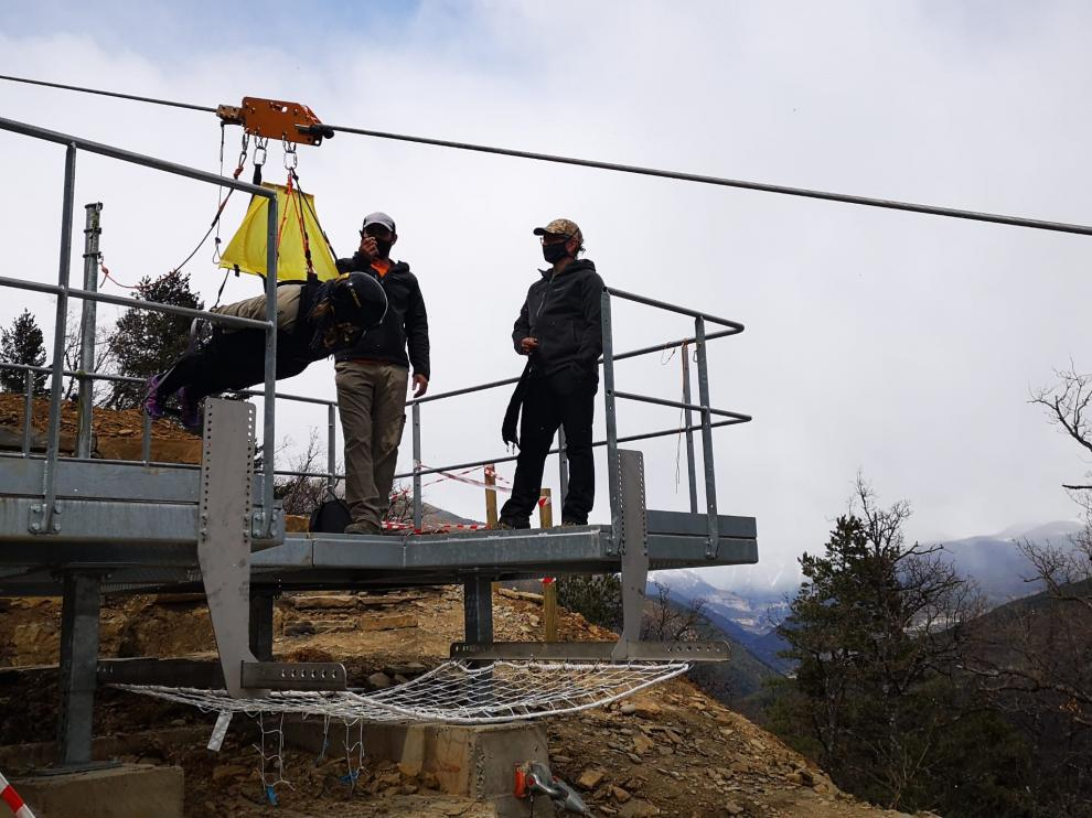 La plataforma de despegue de la tirolina de Fiscal está situada a 1.200 metros de altitud.