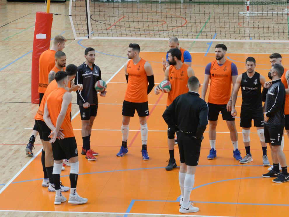 Preparatorio Para la Copa del Rey de Club Voleibol Teruel /2021-02-03/ Foto: Jorge Escudero[[[FOTOGRAFOS]]][[[HA ARCHIVO]]]