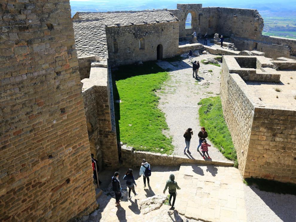 castillo loarre fin de semamna turistas foto pablo segura 20 - 3 - 21[[[FOTOGRAFOS]]]