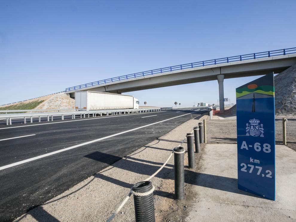 Ábalos y Lambán inauguran la A-68 entre Figueruelas y Gallur