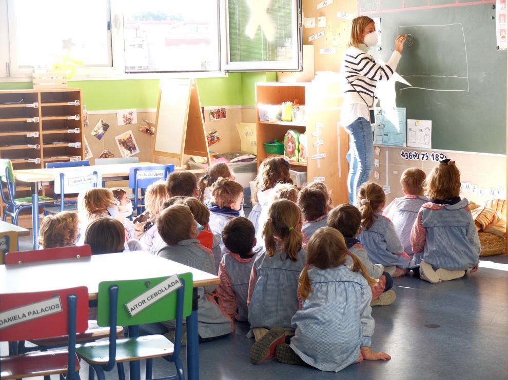 Alumnos de infantil en el Colegio Santa María del Pilar-Marianistas, en Zaragoza.